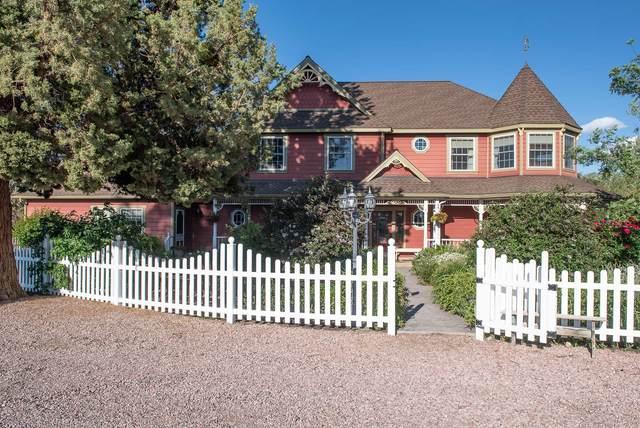 22222 Erickson Road, Bend, OR 97701 (MLS #220116022) :: Berkshire Hathaway HomeServices Northwest Real Estate