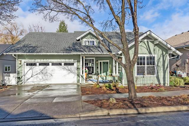 765 Creek Stone Way, Ashland, OR 97520 (MLS #220116043) :: Bend Homes Now