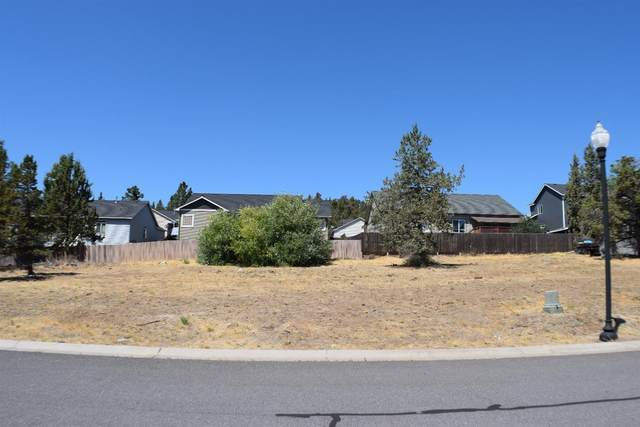 5125 Lyptus Lane, Klamath Falls, OR 97601 (MLS #220116220) :: Vianet Realty