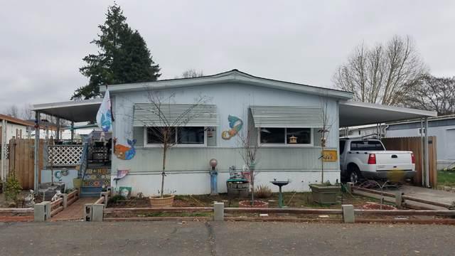 346 Beechwood Drive, Grants Pass, OR 97526 (MLS #220116255) :: Vianet Realty