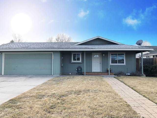 3038 SW Pumice Avenue, Redmond, OR 97756 (MLS #220116264) :: Keller Williams Realty Central Oregon