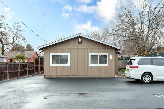 875 Marshall Avenue, Medford, OR 97501 (MLS #220116304) :: The Ladd Group