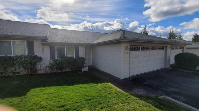 756 Hilldale Avenue, Medford, OR 97504 (MLS #220116738) :: The Riley Group