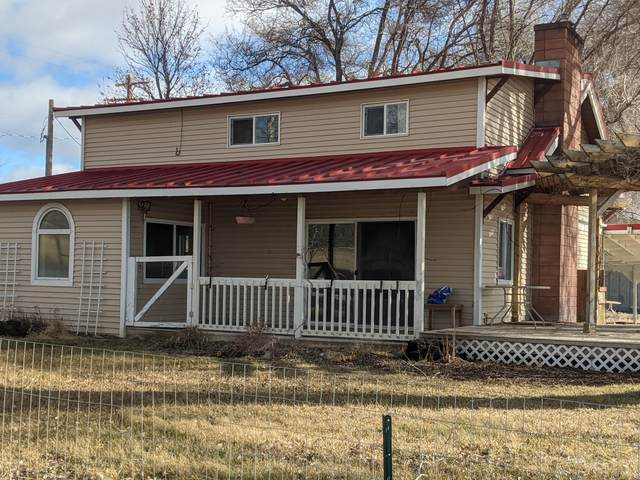 7250 NW Lone Pine Lane, Prineville, OR 97754 (MLS #220116779) :: Coldwell Banker Bain