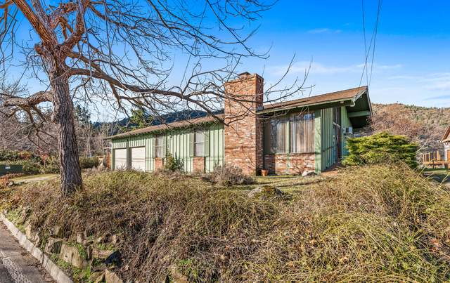 517 Terrace Street, Ashland, OR 97520 (MLS #220116817) :: Coldwell Banker Sun Country Realty, Inc.