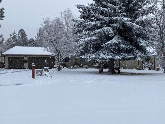3715 Plum Bush Drive, Klamath Falls, OR 97603 (MLS #220116843) :: Vianet Realty