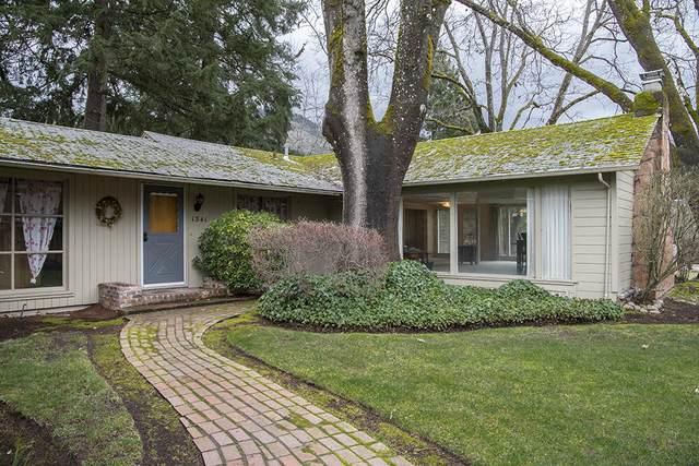 1341 SE Priscilla Lane, Grants Pass, OR 97526 (MLS #220116894) :: Bend Homes Now