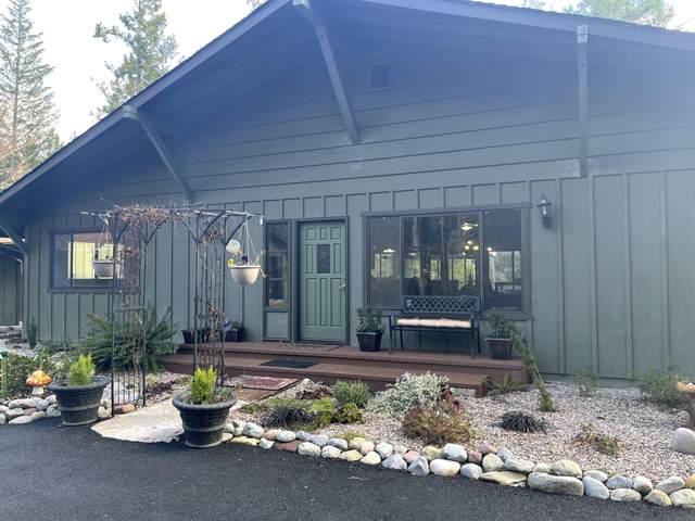 1440 Draper Valley Road, Selma, OR 97538 (MLS #220116957) :: Bend Homes Now