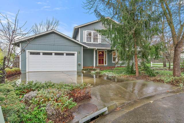 678 Cub Circle, Ashland, OR 97520 (MLS #220116972) :: Coldwell Banker Sun Country Realty, Inc.