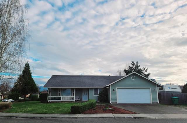 2926 Galaxy Way, Grants Pass, OR 97527 (MLS #220117013) :: Top Agents Real Estate Company