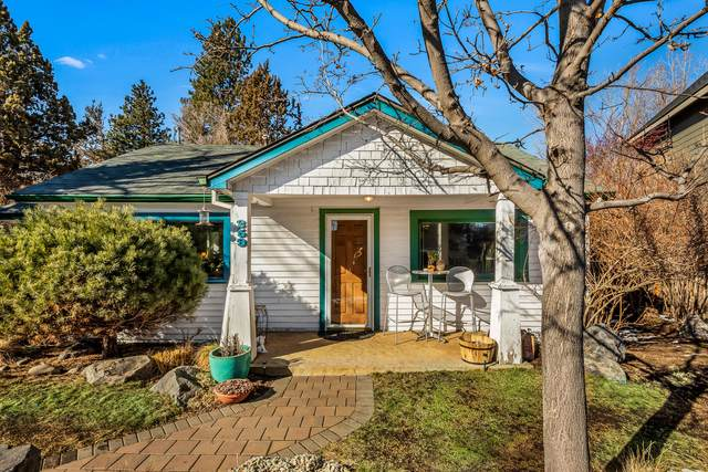259 NW St Helens Place, Bend, OR 97703 (MLS #220117023) :: The Ladd Group