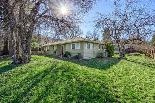 655 Normal Avenue, Ashland, OR 97520 (MLS #220117037) :: Coldwell Banker Bain