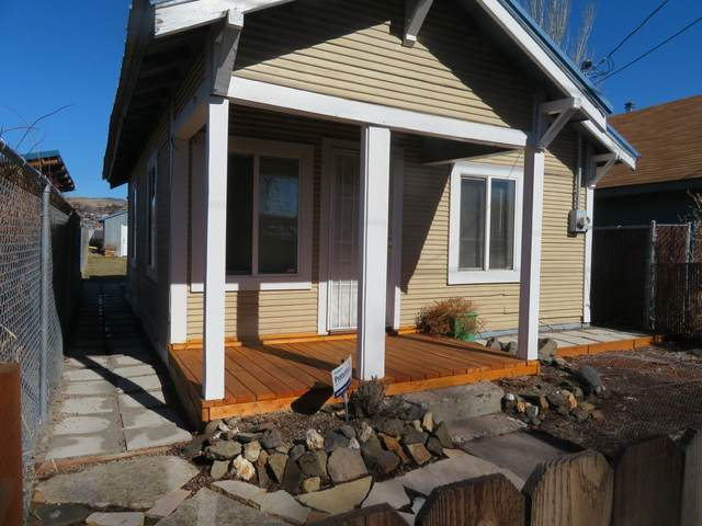 1907 Wantland Avenue, Klamath Falls, OR 97601 (MLS #220117050) :: The Ladd Group