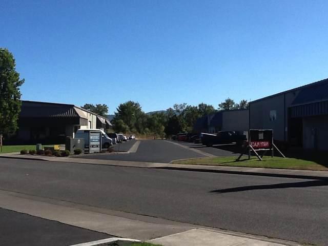 910 Chevy Way 910 - 924, Medford, OR 97504 (MLS #220117056) :: Chris Scott, Central Oregon Valley Brokers