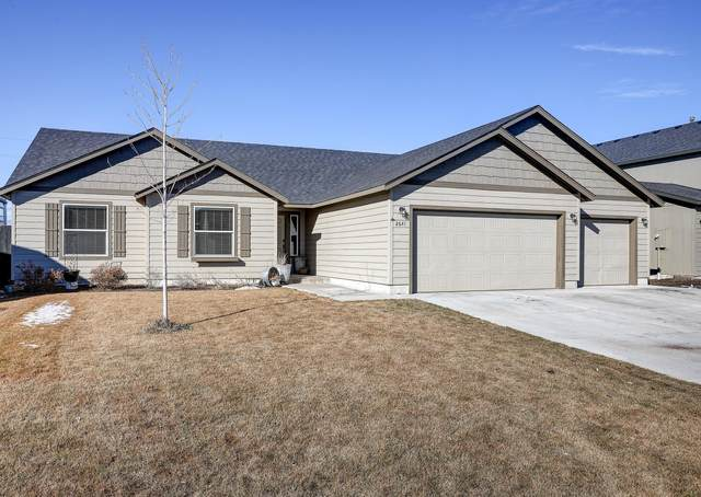 2641 NE 6th Drive, Redmond, OR 97756 (MLS #220117073) :: Coldwell Banker Sun Country Realty, Inc.