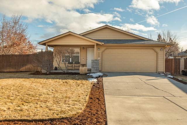 2455 NE Mountain Willow, Bend, OR 97701 (MLS #220117088) :: Berkshire Hathaway HomeServices Northwest Real Estate