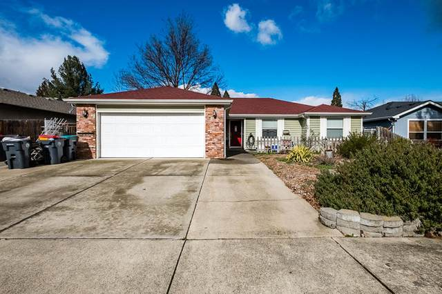 885 Westrop Drive, Central Point, OR 97502 (MLS #220117107) :: Berkshire Hathaway HomeServices Northwest Real Estate