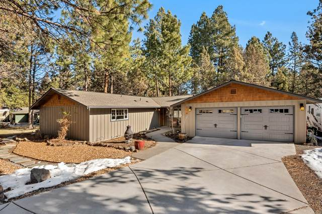 61318 Wecoma Court, Bend, OR 97702 (MLS #220117130) :: The Ladd Group