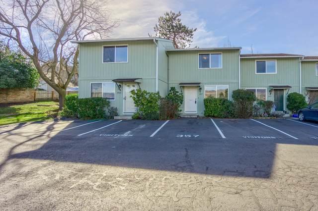 357 Glenn Street, Ashland, OR 97520 (MLS #220117151) :: Coldwell Banker Bain