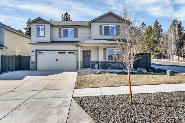 2995 NE Quiet Canyon Drive, Bend, OR 97701 (MLS #220117157) :: Fred Real Estate Group of Central Oregon