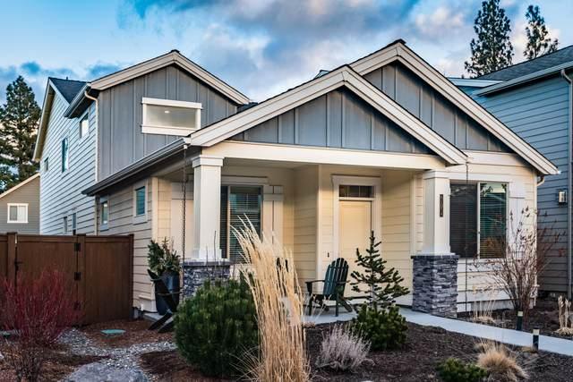 61054 SE Sydney Harbor Drive, Bend, OR 97702 (MLS #220117160) :: Berkshire Hathaway HomeServices Northwest Real Estate