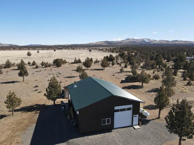 269 SE Oak Lane, Prineville, OR 97754 (MLS #220117170) :: Vianet Realty