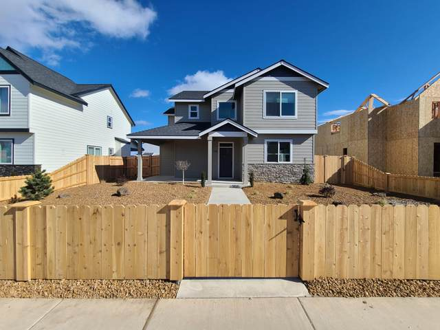 788 NW 27th Street, Redmond, OR 97756 (MLS #220117195) :: Top Agents Real Estate Company