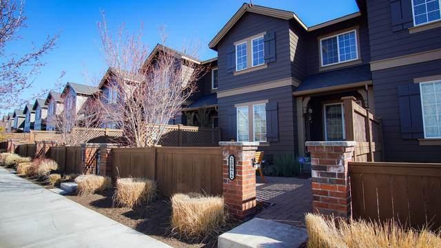 20972 NE High Desert Lane, Bend, OR 97701 (MLS #220117252) :: Fred Real Estate Group of Central Oregon