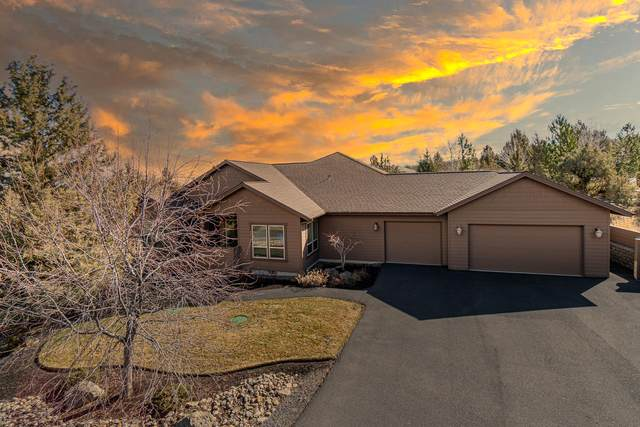 10211 Sundance Ridge Loop, Redmond, OR 97756 (MLS #220117317) :: The Ladd Group