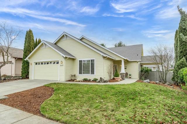 3631 Fieldbrook Avenue, Medford, OR 97504 (MLS #220117355) :: The Ladd Group