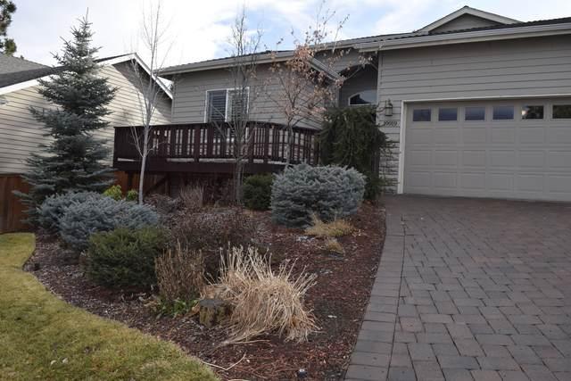 19919 Powers Road, Bend, OR 97702 (MLS #220117388) :: Bend Homes Now