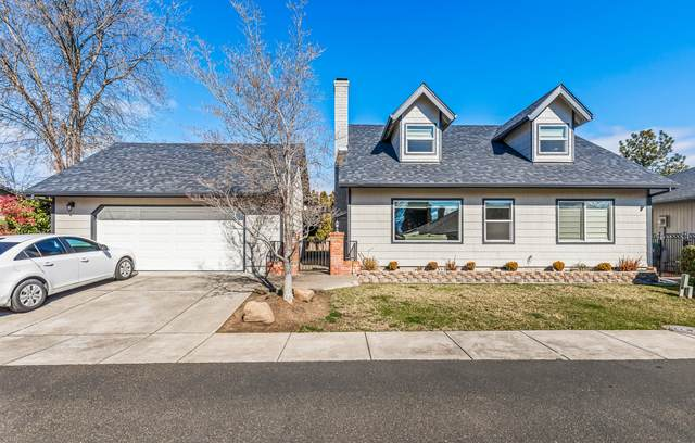 3163 Arnold Palmer Way, Medford, OR 97504 (MLS #220117393) :: The Ladd Group