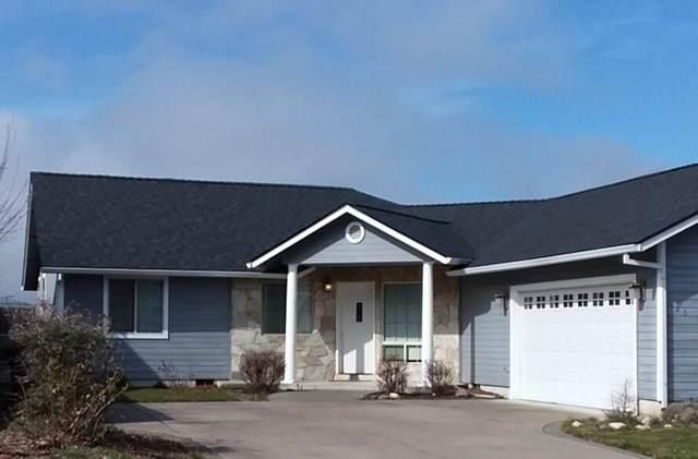 125 Arnos Road, Talent, OR 97540 (MLS #220117441) :: Rutledge Property Group