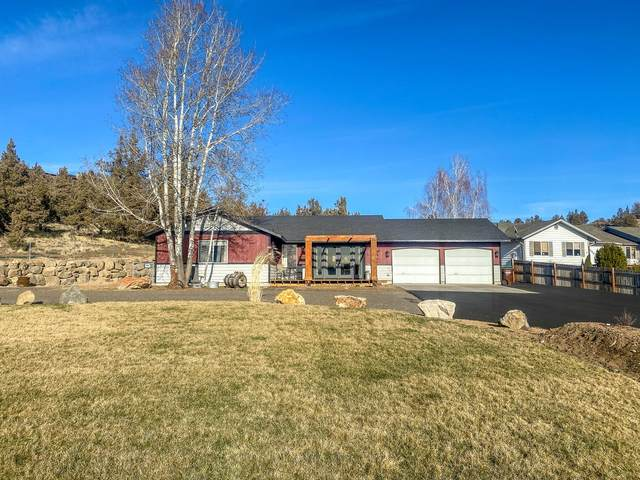 3180 NE Yellowpine Road, Prineville, OR 97754 (MLS #220117443) :: The Riley Group
