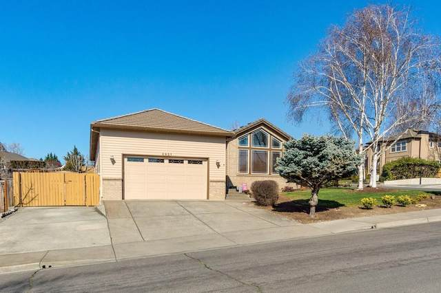 2921 Fredrick Drive, Medford, OR 97504 (MLS #220117534) :: Bend Homes Now