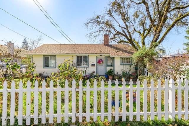 441 SW I Street, Grants Pass, OR 97526 (MLS #220117604) :: The Ladd Group