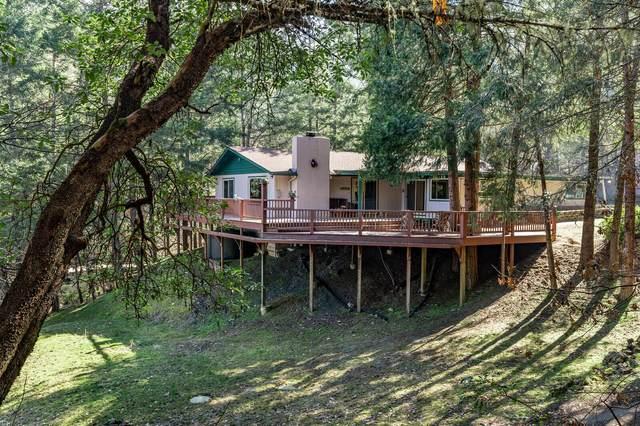 2135 Knowles Road, Medford, OR 97501 (MLS #220117605) :: Berkshire Hathaway HomeServices Northwest Real Estate