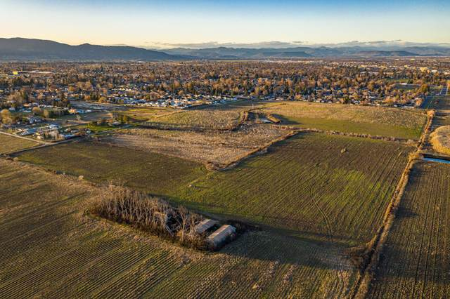 415 Experiment Station Road, Medford, OR 97501 (MLS #220117624) :: Bend Homes Now