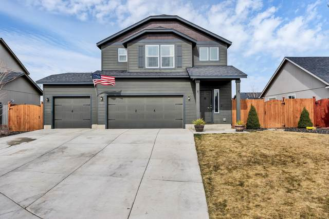 727 NE Redwood Court, Redmond, OR 97756 (MLS #220117651) :: Team Birtola | High Desert Realty