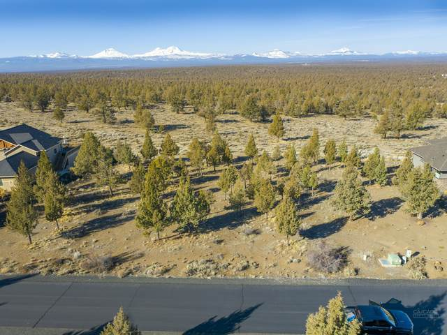 285 Scenic Ridge Court, Redmond, OR 97756 (MLS #220117656) :: Team Birtola | High Desert Realty