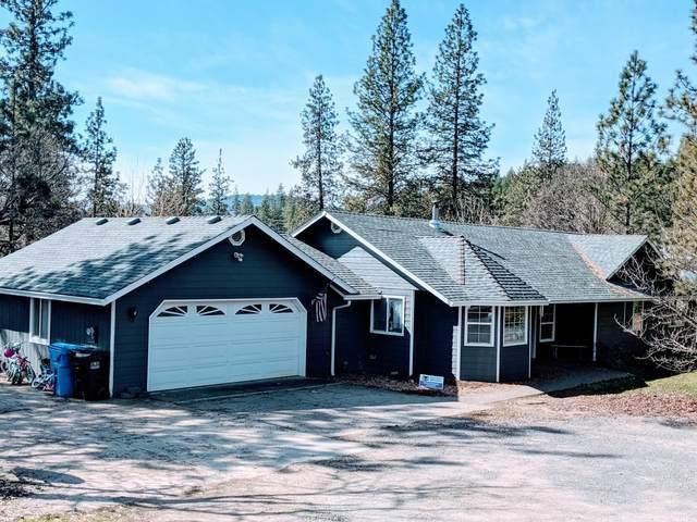 455 Hudspeth Lane, Shady Cove, OR 97539 (MLS #220117659) :: Rutledge Property Group
