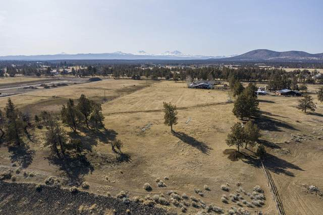 3530 SW Helmholtz Way, Redmond, OR 97756 (MLS #220117679) :: Team Birtola | High Desert Realty
