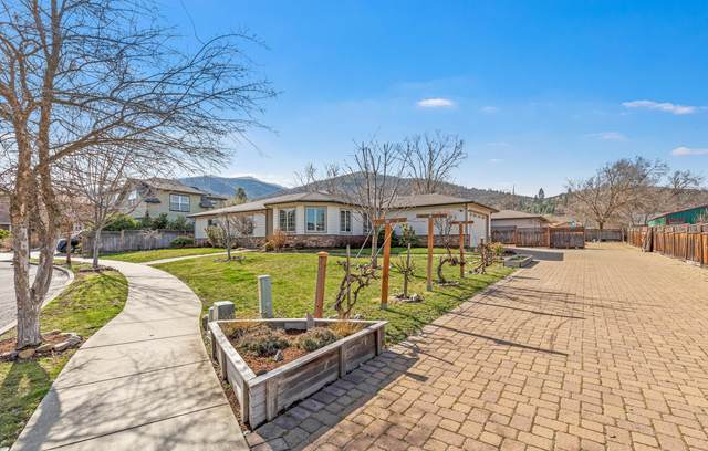 1220 Lithia Way, Talent, OR 97540 (MLS #220117708) :: Rutledge Property Group