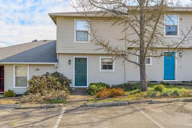 132 S Mountain Avenue #2, Ashland, OR 97520 (MLS #220117785) :: FORD REAL ESTATE