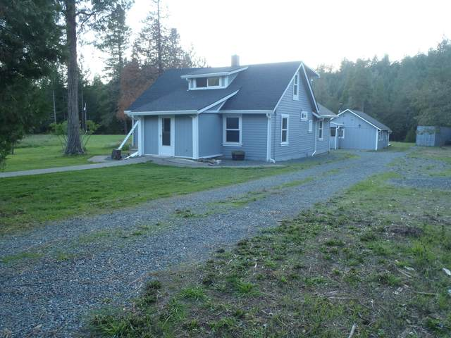 2135 Sykes Creek Road, Rogue River, OR 97537 (MLS #220117832) :: Rutledge Property Group