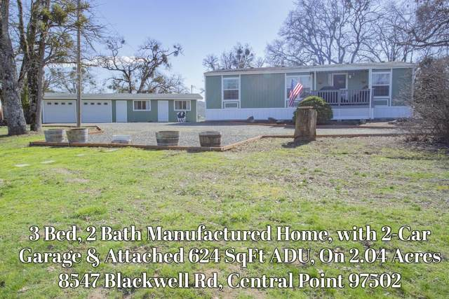 8547 Blackwell Road, Central Point, OR 97502 (MLS #220117833) :: The Ladd Group