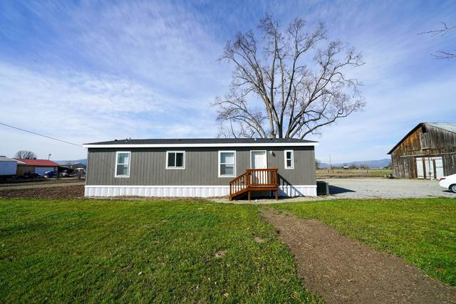 5263 Gebhard Road, Central Point, OR 97502 (MLS #220117838) :: The Ladd Group
