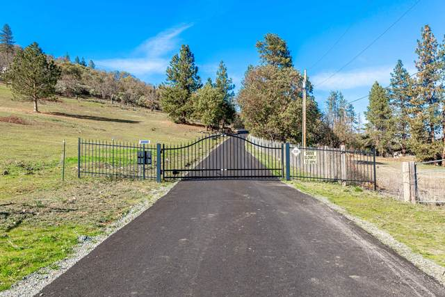 3144 W Griffin Creek Road, Medford, OR 97501 (MLS #220117876) :: Team Birtola | High Desert Realty