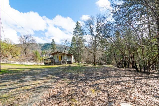 303 Kenwood Street, Grants Pass, OR 97527 (MLS #220117930) :: Premiere Property Group, LLC