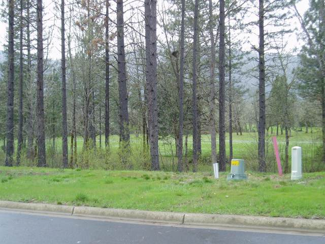 1303 Golf Club Drive, Cave Junction, OR 97523 (MLS #220118178) :: Coldwell Banker Bain